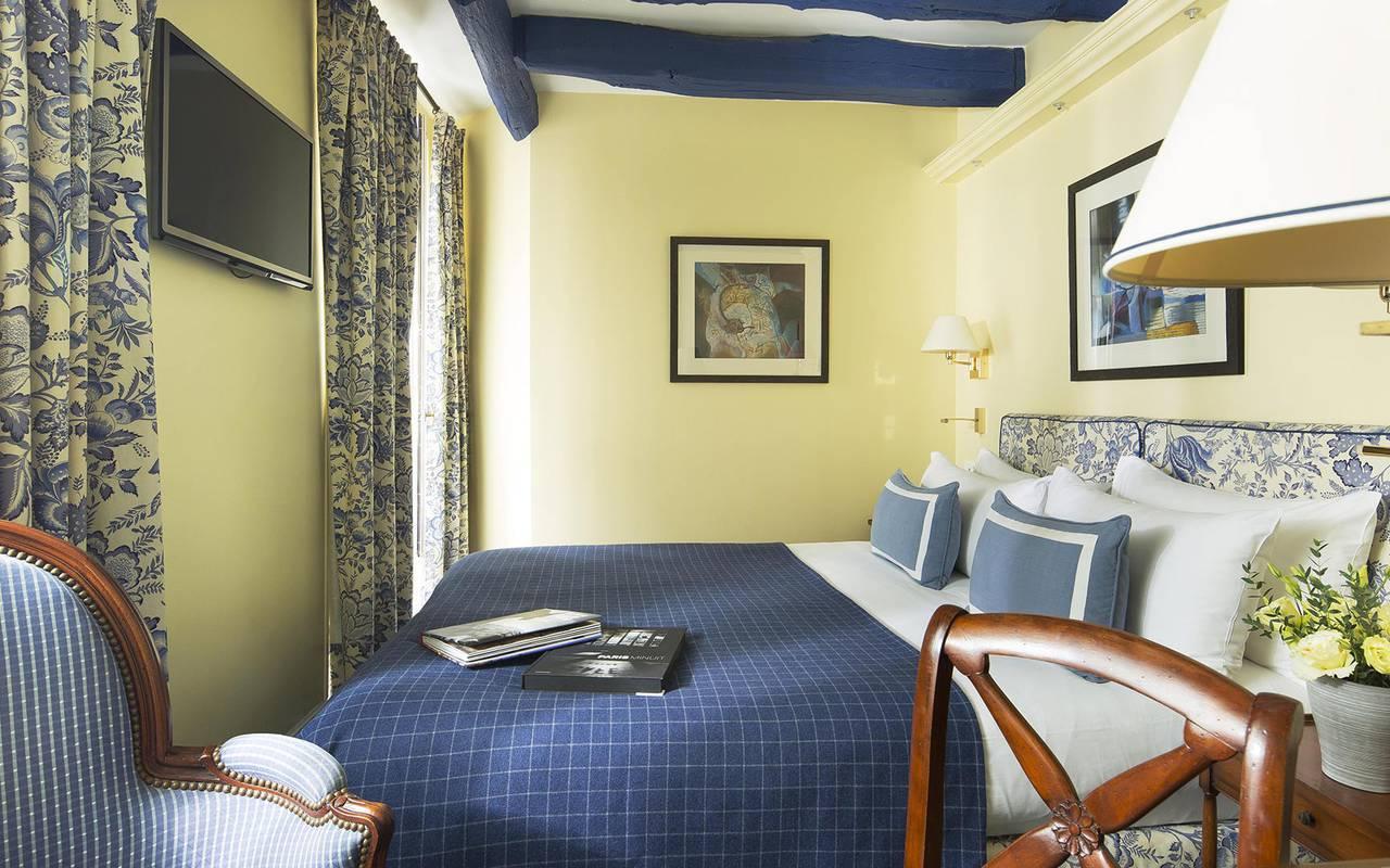 Room in Montmartre 4-star hotel Relais Madeleine