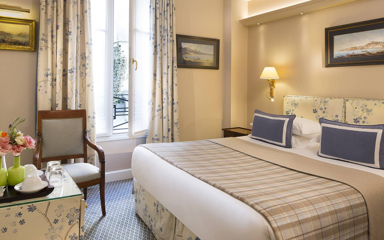 Chic room boutique hotel Paris Relais Madeleine