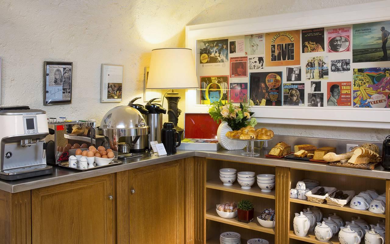 4-star hotel breakfast Relais Madeleine