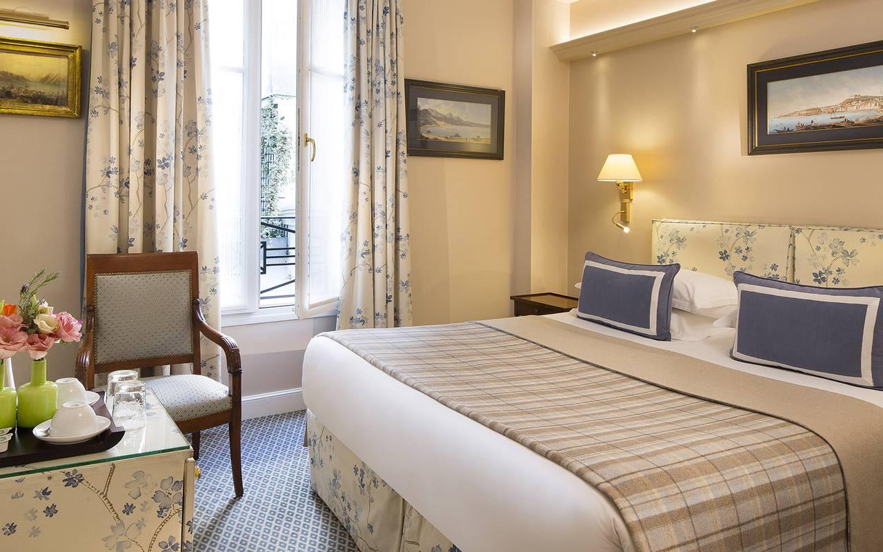 Chambre chic hôtel de charme Paris Relais Madeleine