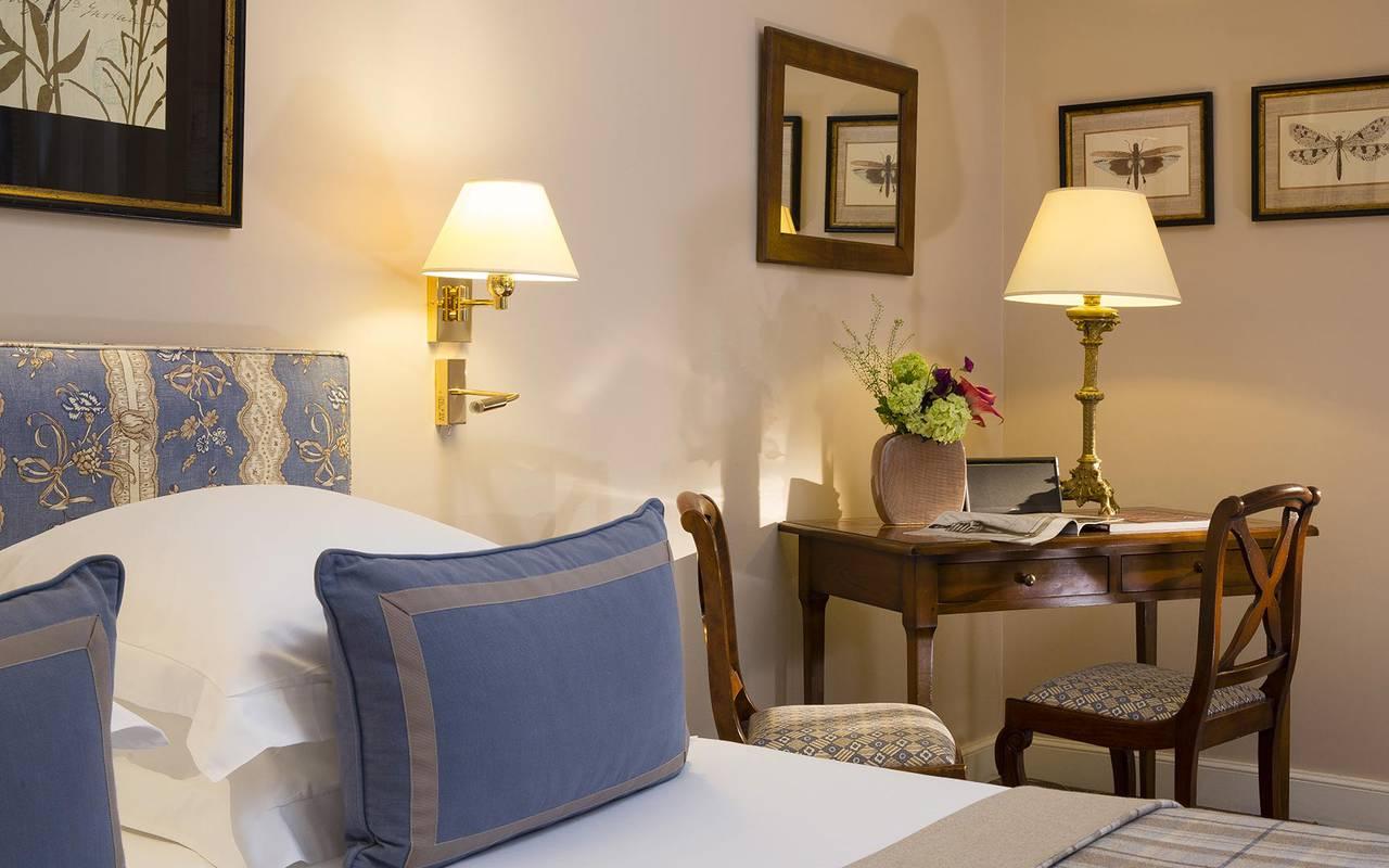 Chambre agréable hôtel à Paris Relais Madeleine