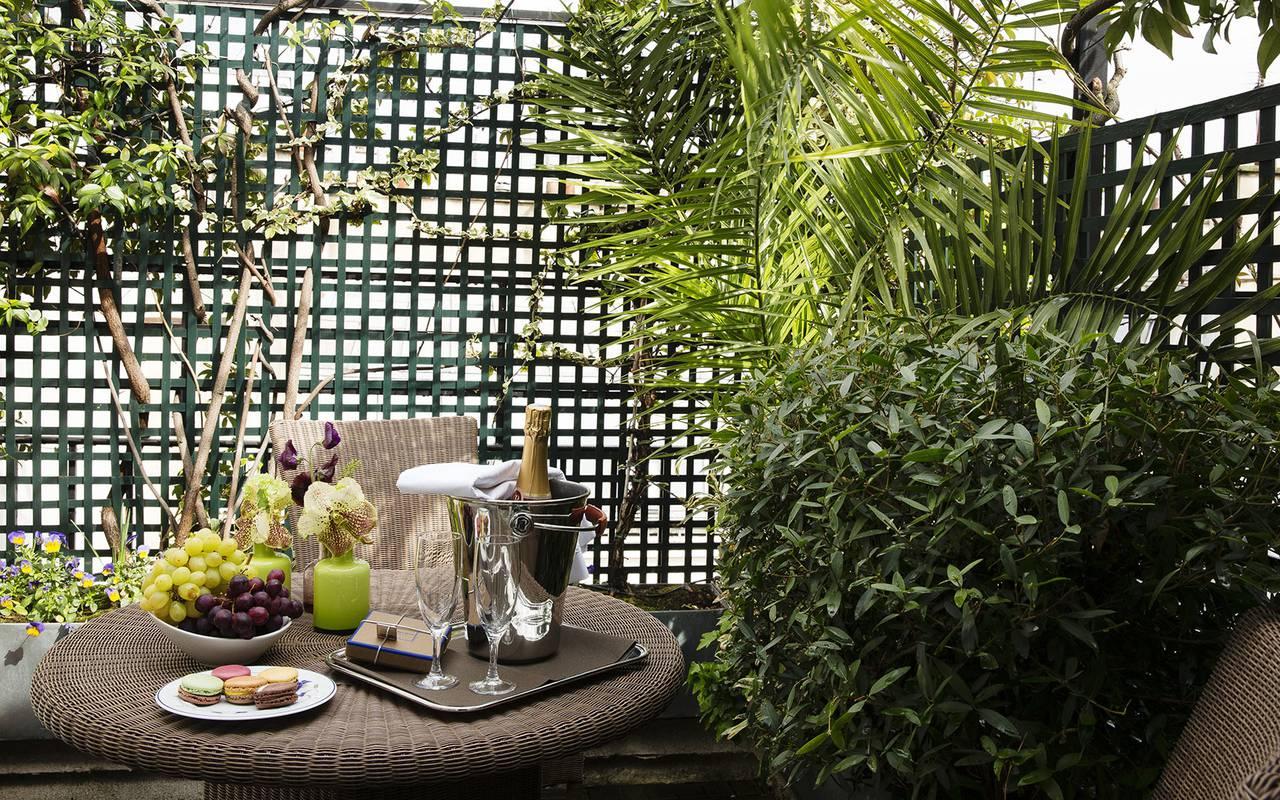 Champagne en terrasse hôtel 4 étoiles