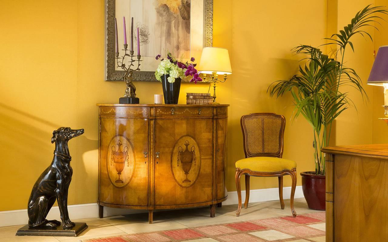 Entrée hôtel de luxe Paris Relais Madeleine